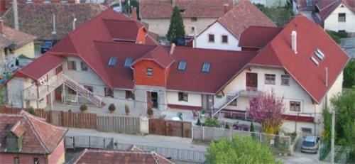 Élet-Hossz Idősek Otthona Budaörs épülete madártávlatból